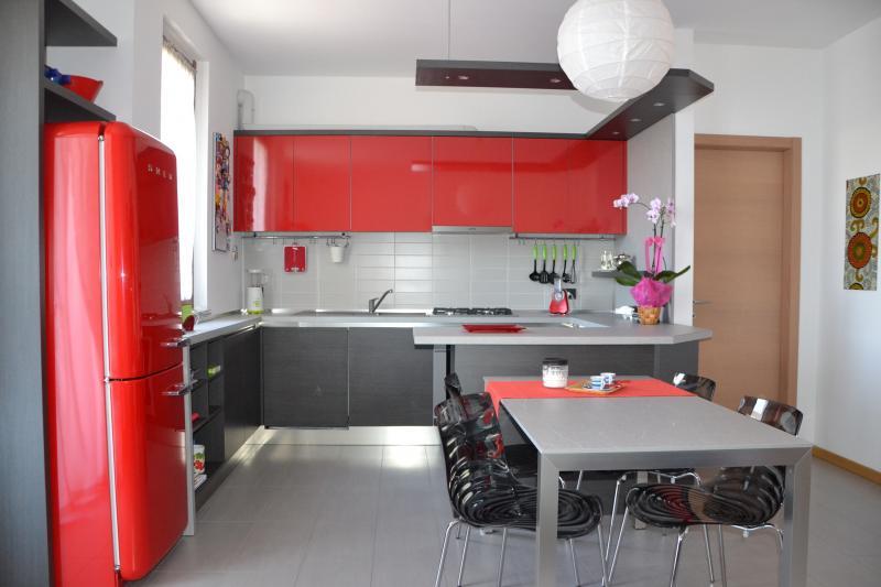cucina moderna | arredo facile srl - Arredamento Grigio E Rosso