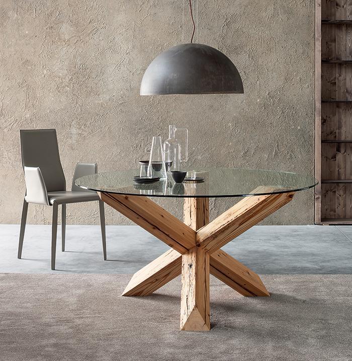 Tavolo in vetro e legno